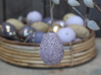 laventelin värinen koristemuna