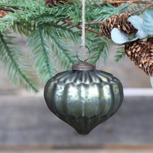 vihreä joulukoriste pisara