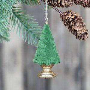 vihreä samettinen joulukuusi